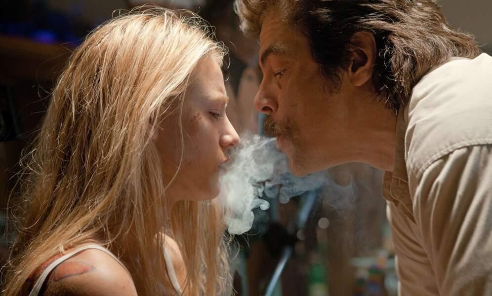 Benicio del Toro dans Savages