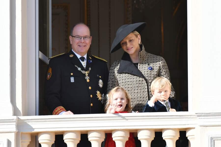 Le Prince Albert II Monaco, Charlène et leurs jumeaux au balcon du Palais