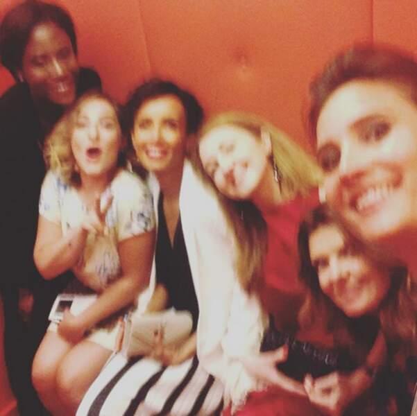 Quand il y a un banc dans l'ascenseur, on prend un selfie ! (Julie de Bona, Marilou Berry, Gwendoline Hamon...)