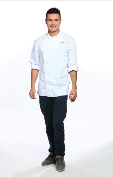 Gabriel Evin, 22 ans, est second de cuisine dans le restaurant Sabayon, dans l'Essonne