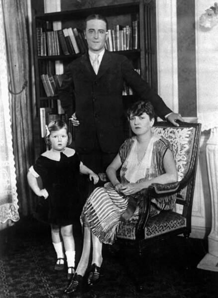 Scott Fitzgerald recopiera des extraits du journal de son épouse Zelda dans son roman L'envers du paradis.