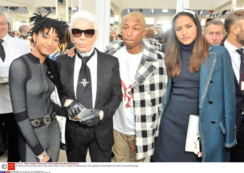A la demande de Karl Lagerfeld, elle devient la nouvelle égérie de Chanel en 2016.