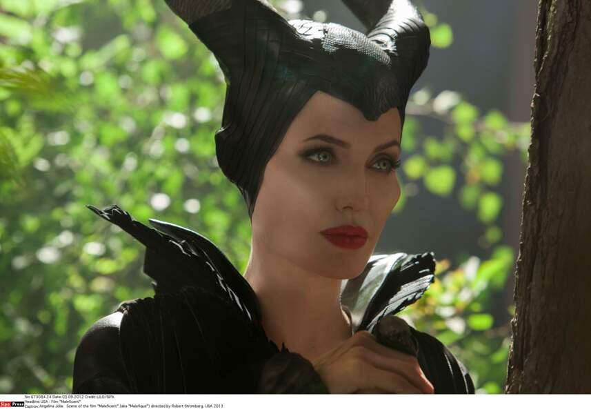 Angelina Jolie est incarnée vocalement par…