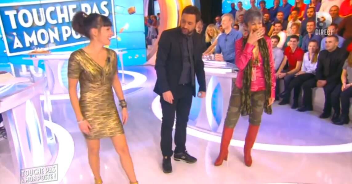 Waouh ! Erika Moulet a sorti sa plus belle robe dorée