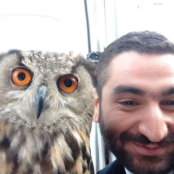 Tiens, Mouloud Achour a un nouvel ami !