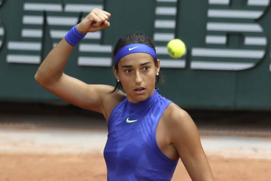 Mais Roland-Garros, c'est surtout une longue bataille contre la balle jaune