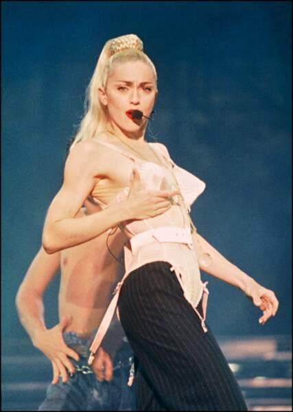 Son look emblématique était signé Jean-Paul Gaultier