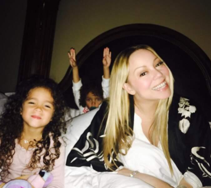 Mariah Carey et ses jumeaux (dont un qui s'est cru dans le Train de la Mine à Disney).