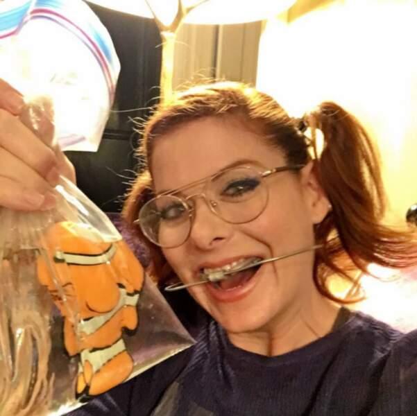 Et Debra Messing de Will and Grace s'est déguisée en petite fille insupportable dans Le monde de Nemo.