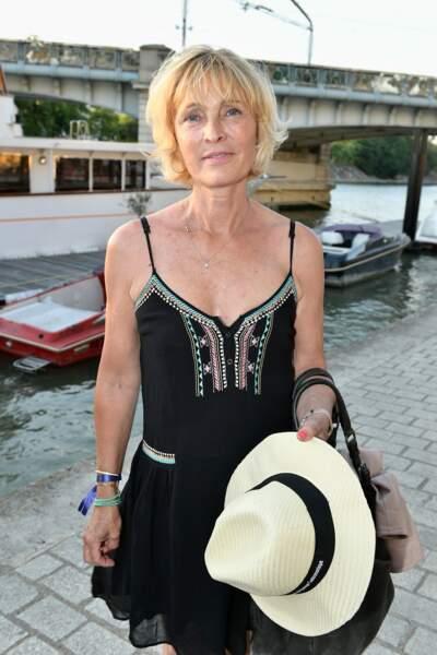 """Virginie Ledieu, dont la maman joue le rôle d'Huguette dans la série """"Scènes de Ménages"""""""