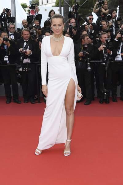 De son côté, le model tchèque Petra Nemcova a également misé sur un look 100% blanc. Sexy !