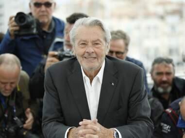 Cannes 2019 : en pleine forme, Alain Delon s'amuse avec les photographes avant de recevoir sa Palme ! (PHOTOS)