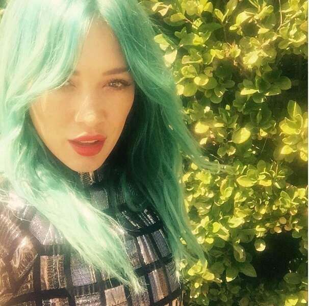 Et on termine par Hilary Duff, transformée en sirène !