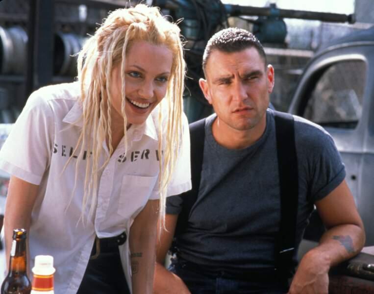 Angelina Jolie et ses dreadlocks blondes dans 60 secondes chrono (2000)