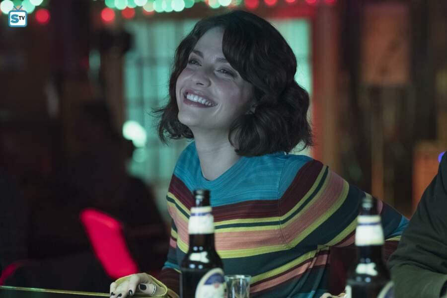 Lea Dilallo (Paige Spara) est une voisine de palier et un soutien amical pour Shaun