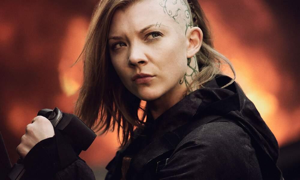 Elle est aussi connue pour avoir incarné Cressida dans la saga Hunger Games