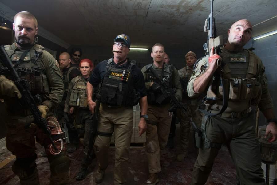 Et avec Arnold Schwarzenegger dans Sabotage (2014)