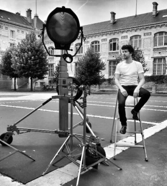 Les acteurs, notamment Agustin Galiana, postent régulièrement des photos de tournage sur les réseaux sociaux