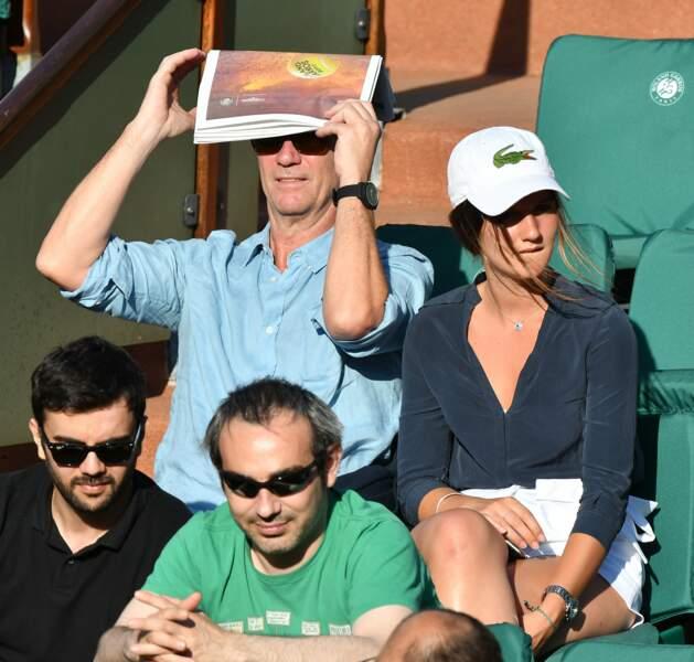 Un Philippe Caroit et sa fille se cachent sur cette photo. Saurez-vous les reconnaître ?