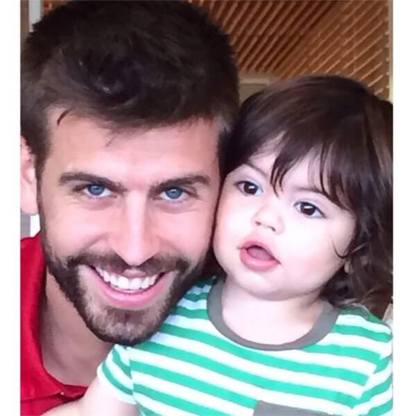 Tellement mignonne la photo de Gérard Piqué et Milan prise par maman Shakira !