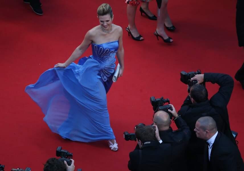 Lorie joue à la princesse... Ce rêve bleuuuuu....