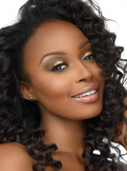 Miss Bahamas : Brinique Gibson