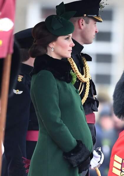 Enceinte de son troisième enfant, Kate Middleton affiche un joli ventre rond
