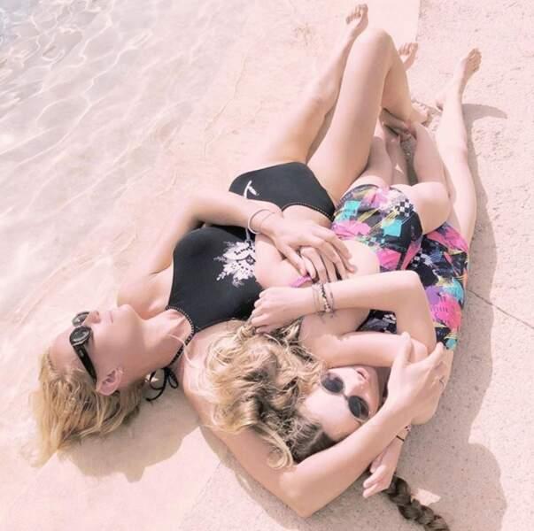 Câlin collectif pour Elodie Gossuin et ses deux filles, Rose et Joséphine.