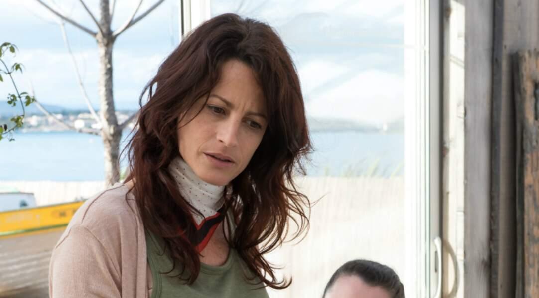 Accusée d'homicide, Béatrice Raynaud (Sophie Michard) a été acquittée. Elle a ensuite quitté Sète.