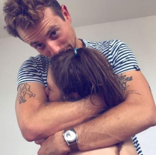 Chez Alexandra Rosenfeld, c'était free hugs entre Hugo Clément et sa belle-fille Ava.
