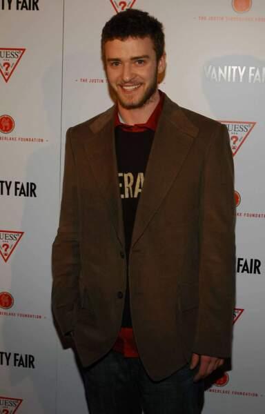 On commence avec le charmant Justin Timberlake. Ici, en 2004 (23 ans)