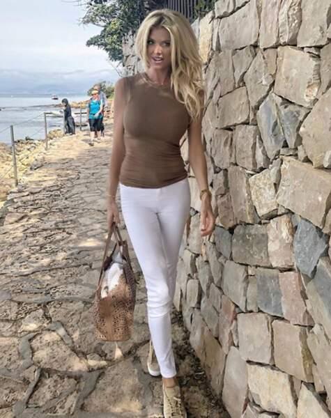 Victoria Silvesdt nous nargue avec sa jolie balade près de Monaco