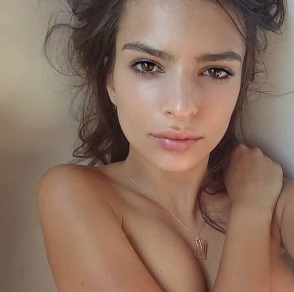 ... tout comme l'actrice et top-model Emily Ratajkowski.