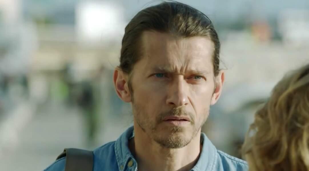 Joaquim Dulac, le père de Lucas, est toujours détective privé. Il n'est plus apparu dans la série depuis mars 2018.