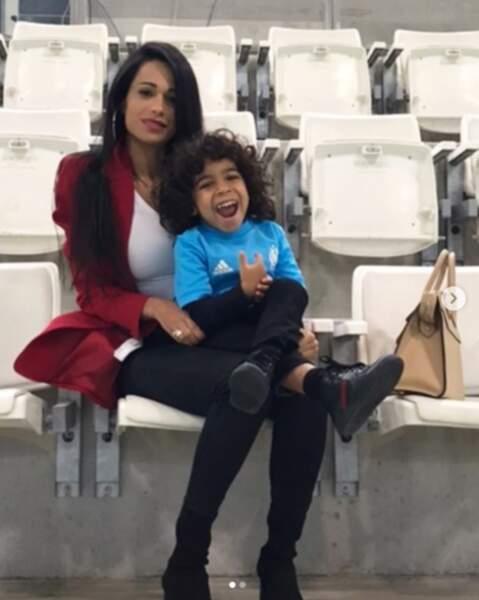 Avec son fils, Milene suit son mari partout en Europe