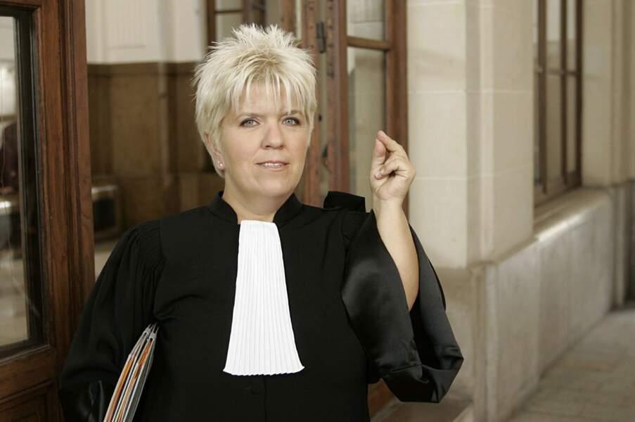 ... Avant de défendre la loi en tant qu'avocate ! Plaider, ça la connaît !