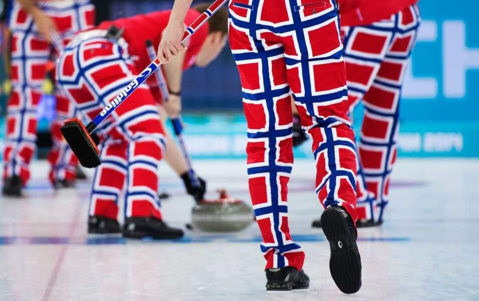 On ADOOOORE la tenue de l'équipe de Norvège en curling...