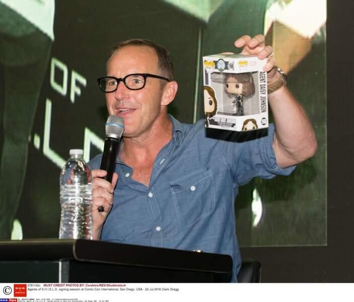 Clark Gregg fait de la pub pour les figurines de la série, mais pas la sienne