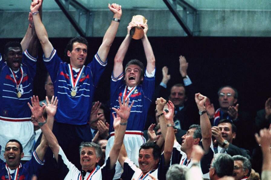 1998 - Didier Deschamps, capitaine des Bleus vainqueurs du Brésil 3-0