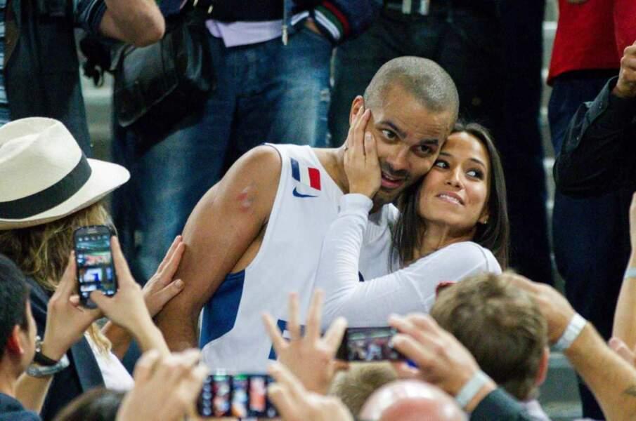 Tony Parker et sa compagne Axelle Francine après la victoire du champion