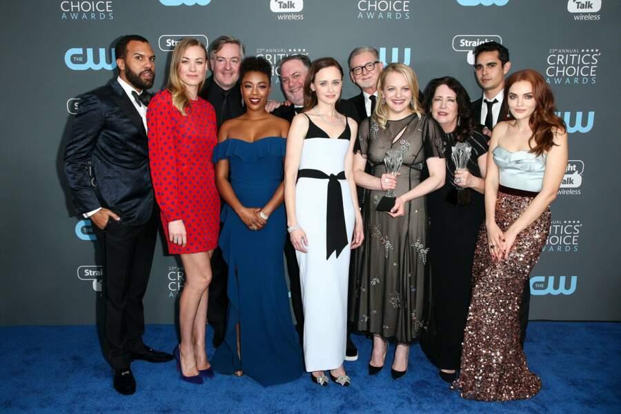Le casting réuni en tenues de soirée, ça nous change des looks de la série !
