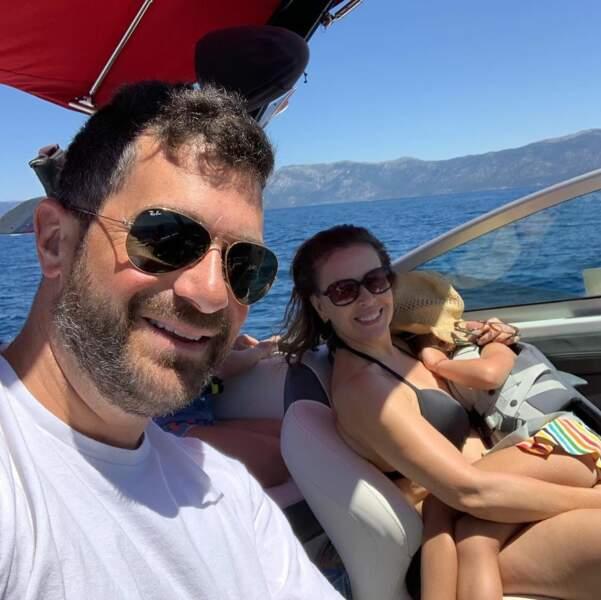 Détente en famille au lac Tahoe pour Alyssa Milano