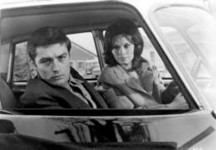 Alain Delon et l'actrice Lea Massari dans L'insoumis (1964)