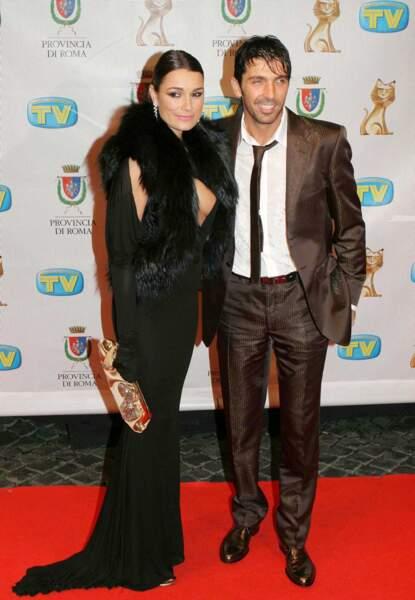Gianluigi Buffon et sa compagne Alena Seredova, en mode classe...