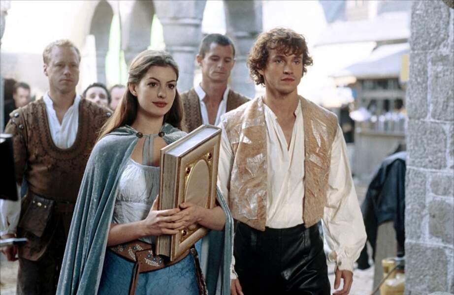 """Anne Hathaway dans """"Ella au pays enchanté"""" en 2004"""