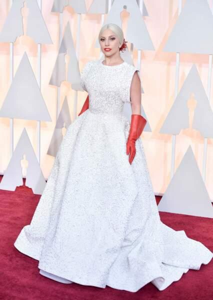 Oscars 2015 : Lady Gaga surprend en osant ... la simplicité !