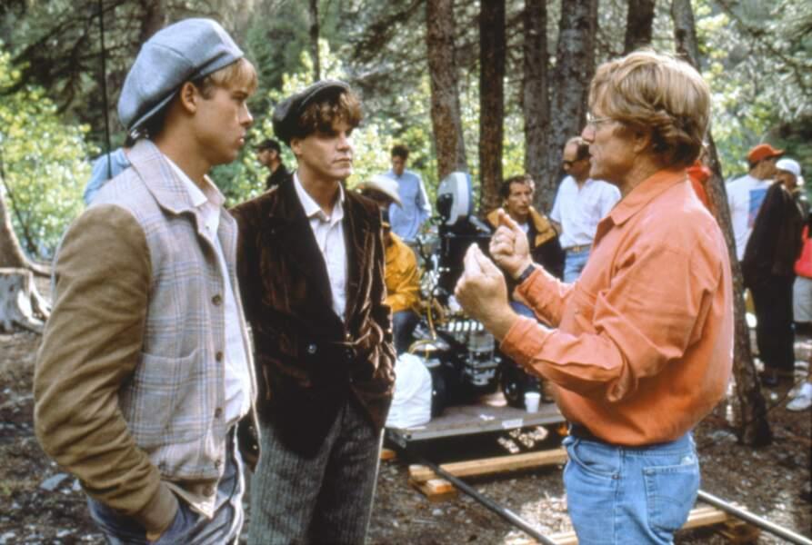 Robert Redford dirige Brad Pitt dans Et au milieu coule une rivière (1992)
