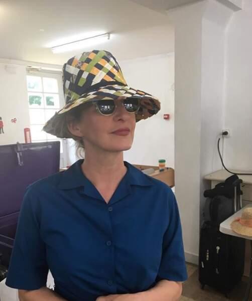 Point mode et beauté : vous préférez le chapeau de Sophie Mounicot...
