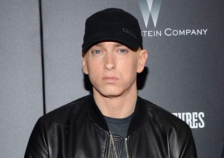Marshall dit Eminem, d'où l'album The Marshall Mathers LP.