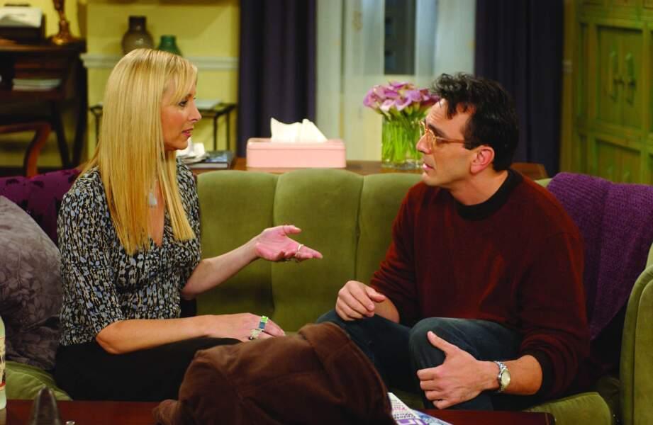Phoebe a eu des petits amis étranges comme David, le scientifique...